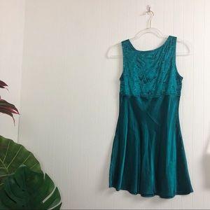 Vintage Dresses - Vintage : Green Mini Dress >> Size XS-S
